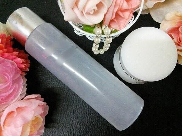ゲルと化粧水の画像